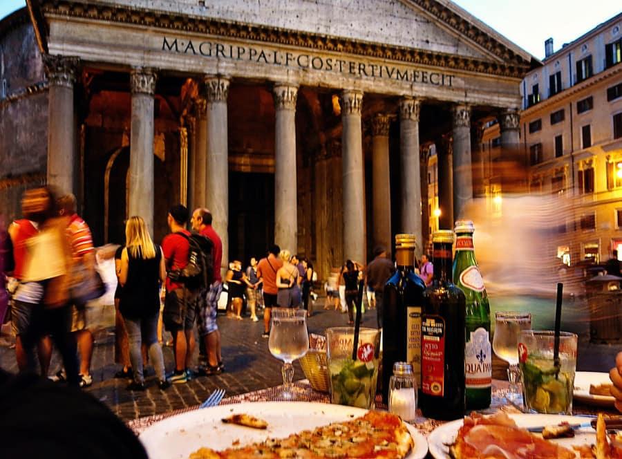 Eat in front of pantheon-wanderluststorytelles