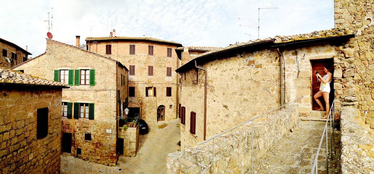 montichiello - wanderlust storytellers 1