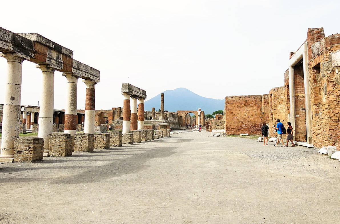 pompeii wanderlust storytellers 5