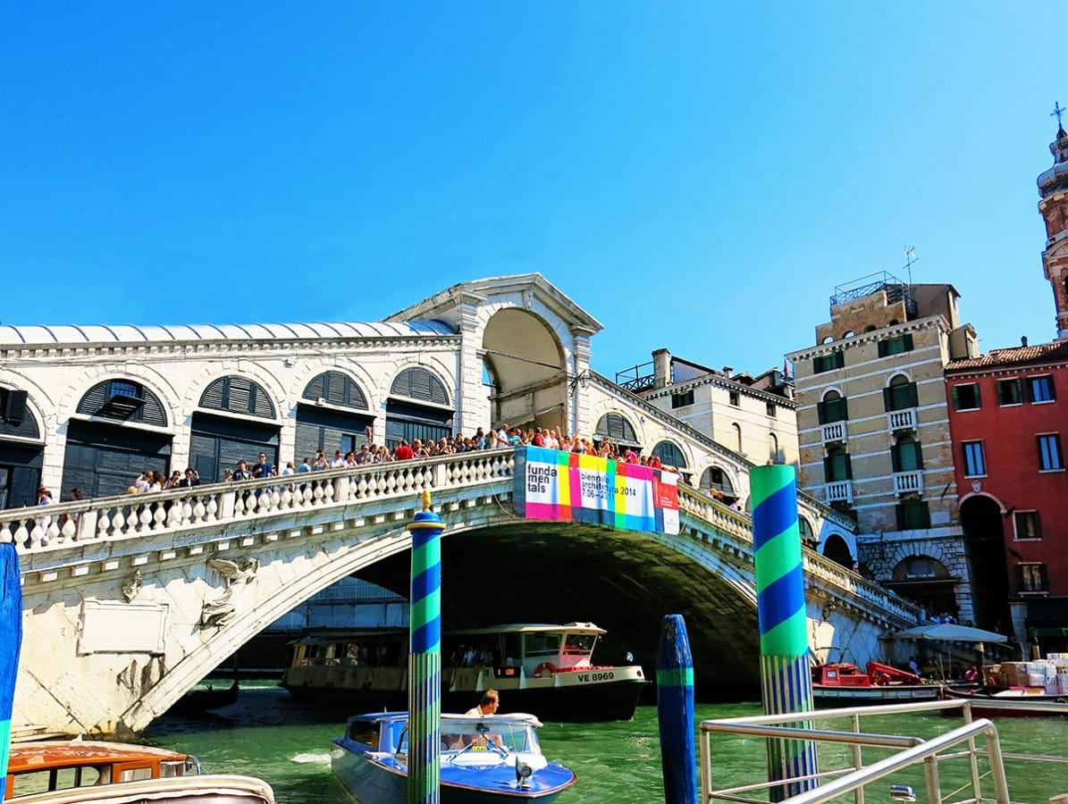 Attractions in Venice - The Rialto Bridge!
