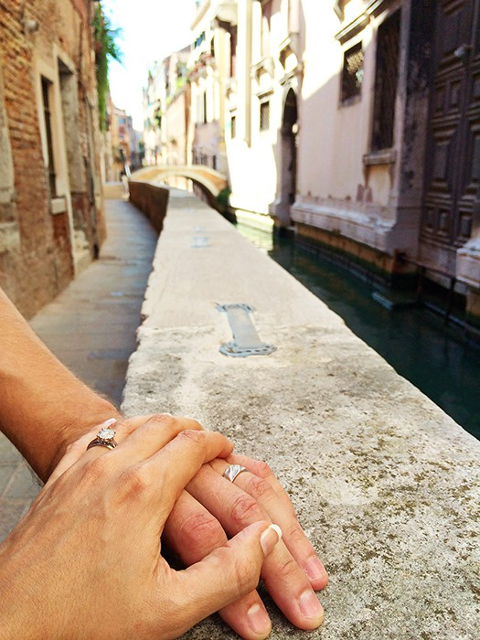 Romantic things to do in Venice - Checking out the alleys