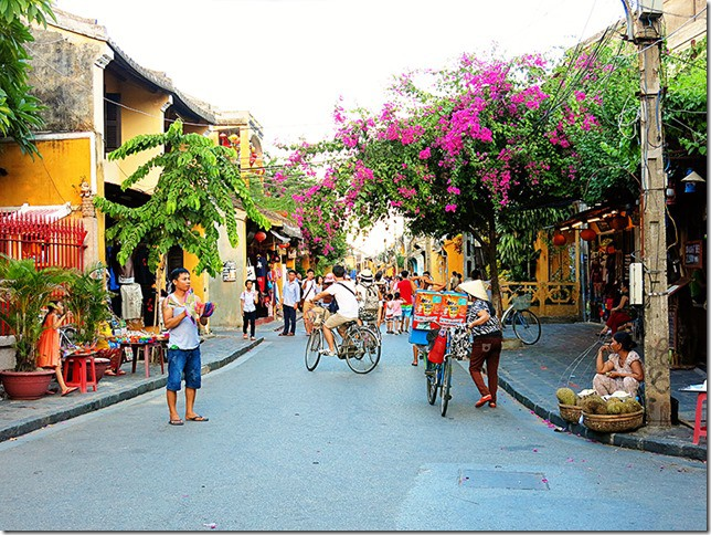 Streets of Hoi An Ancient Town - The City of Lanterns
