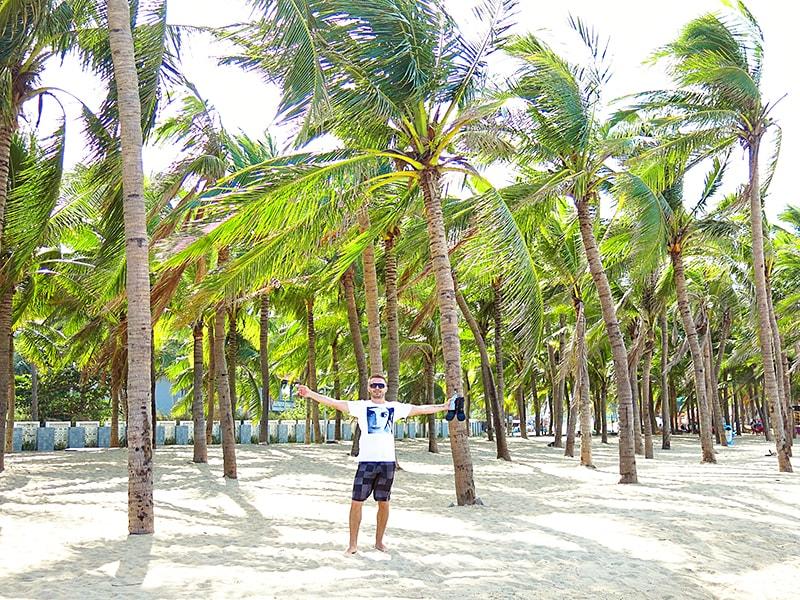 Hoi-An-Beach-by-Wanderlust-storytellers---cua-dai-2