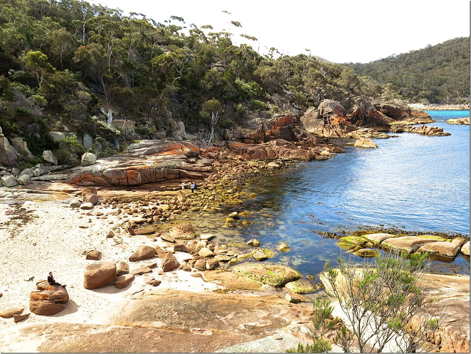 Sleepy-Bay-and-Gravelly-Beach-Freycinet-National-Park-Wanderlust-Storytellers-(2)