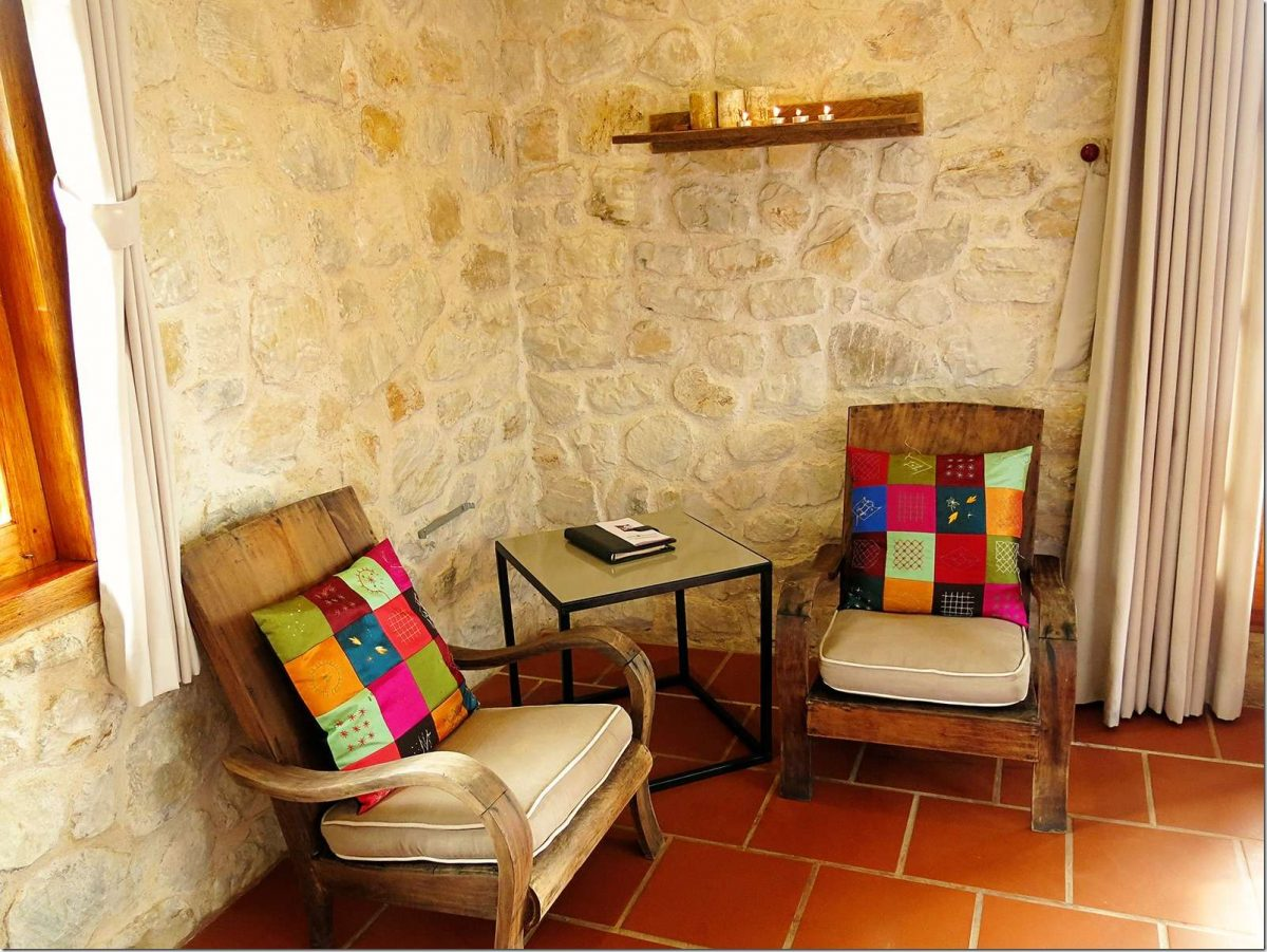 Topas-Ecolodge-Cottage-Chairs