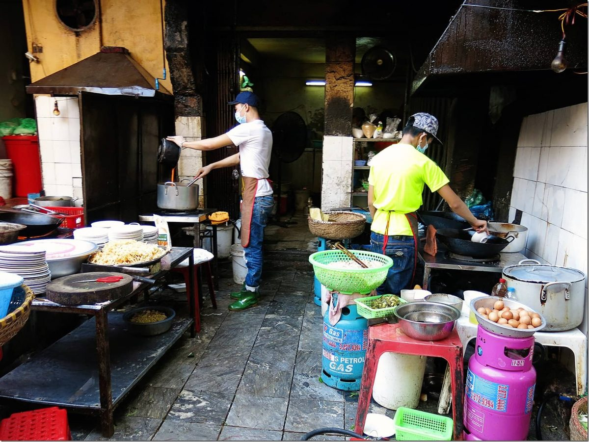 things-to-do-in-Hanoi-Kitchen