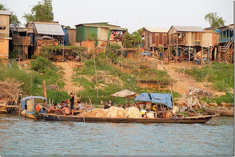 Phnom-Penh-Cruise-Boat-Settlement-1
