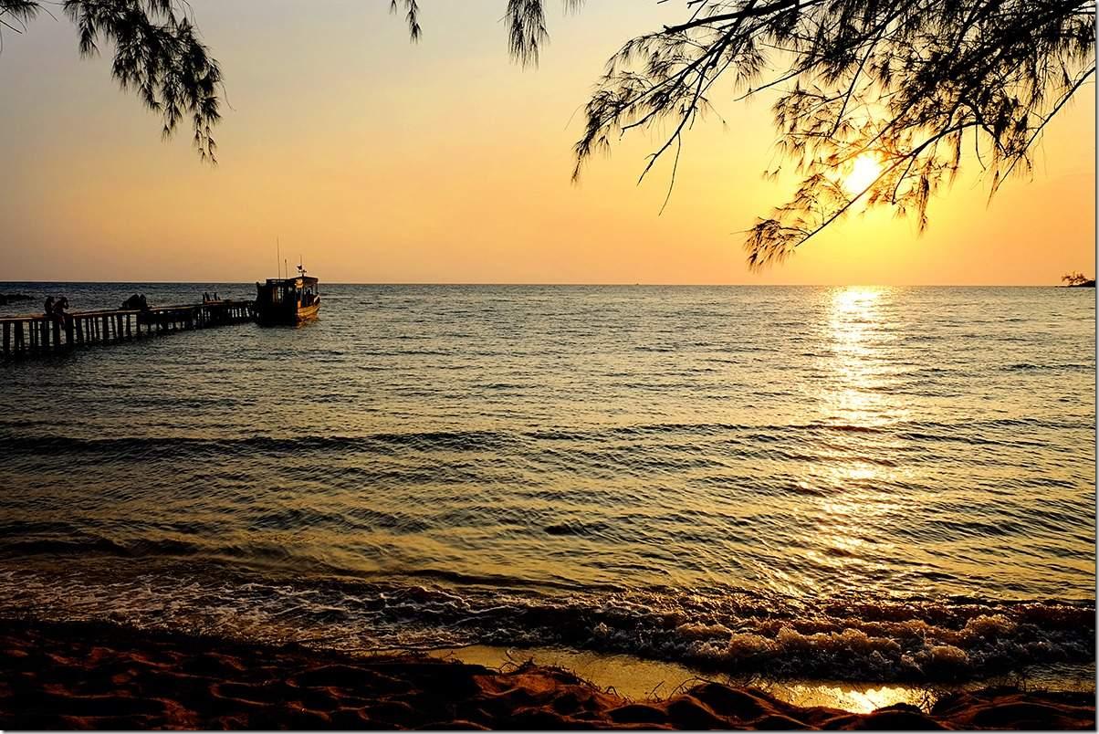Sunet at Lazy Beach Koh Rong Samloem Island