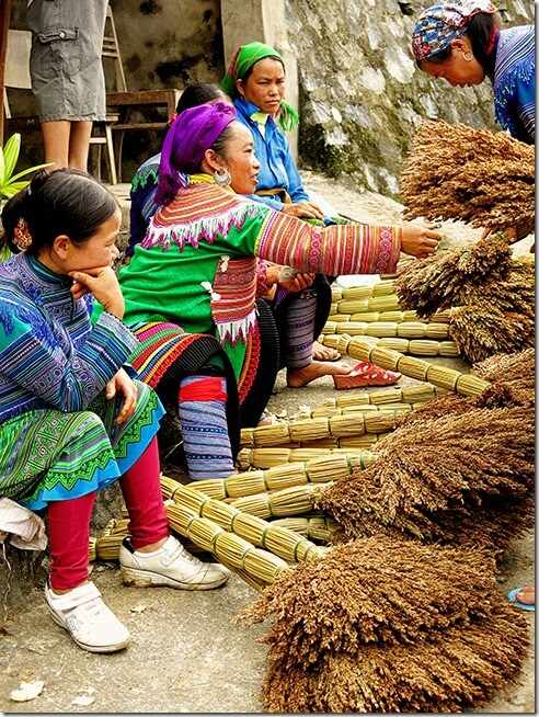 Broom-Sellers-in-Bac-Ha-Markets-Vietnam
