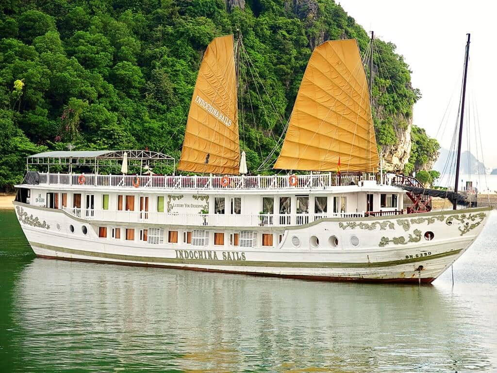 luxurious halong bay indochina sails junk cruise. Black Bedroom Furniture Sets. Home Design Ideas