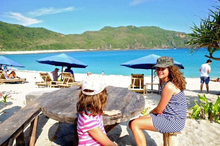 Things to do in Kuta Lombok - Visit Mawun Beach
