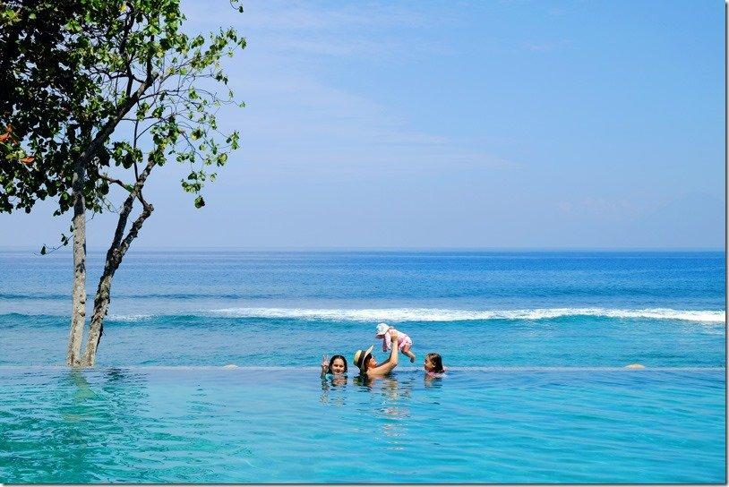 lombok-infinity-pool-swim