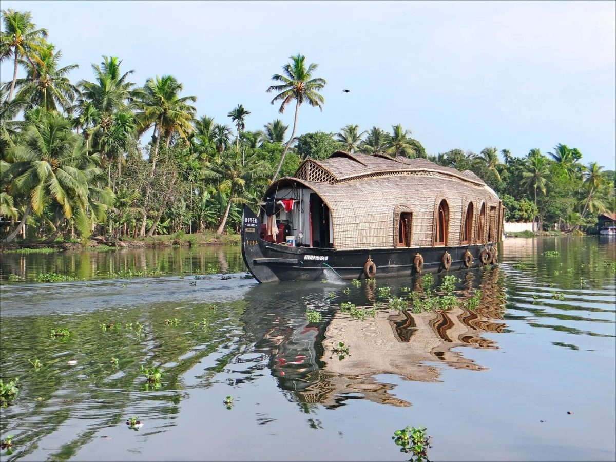Beauty of Kerala Backwaters | Top 5 Places to Visit!