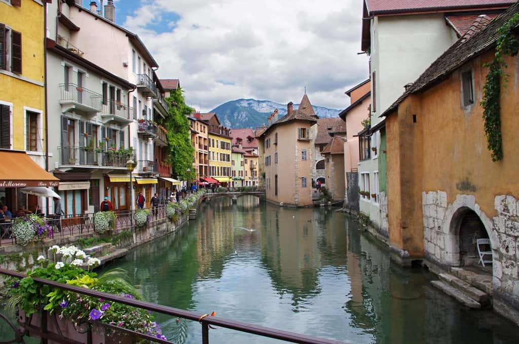 best of france itinerary 2 weeks in france on a road trip. Black Bedroom Furniture Sets. Home Design Ideas