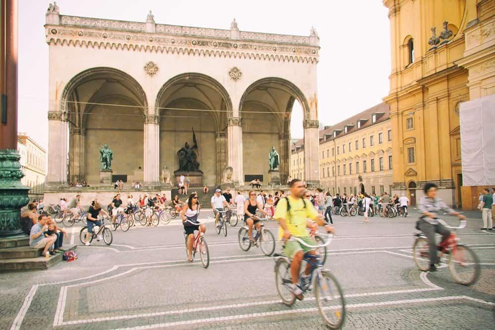Image:Cyclists