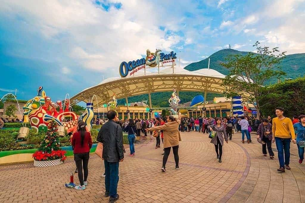 best holiday destinations in Asia for family: Hong Kong Ocean Park