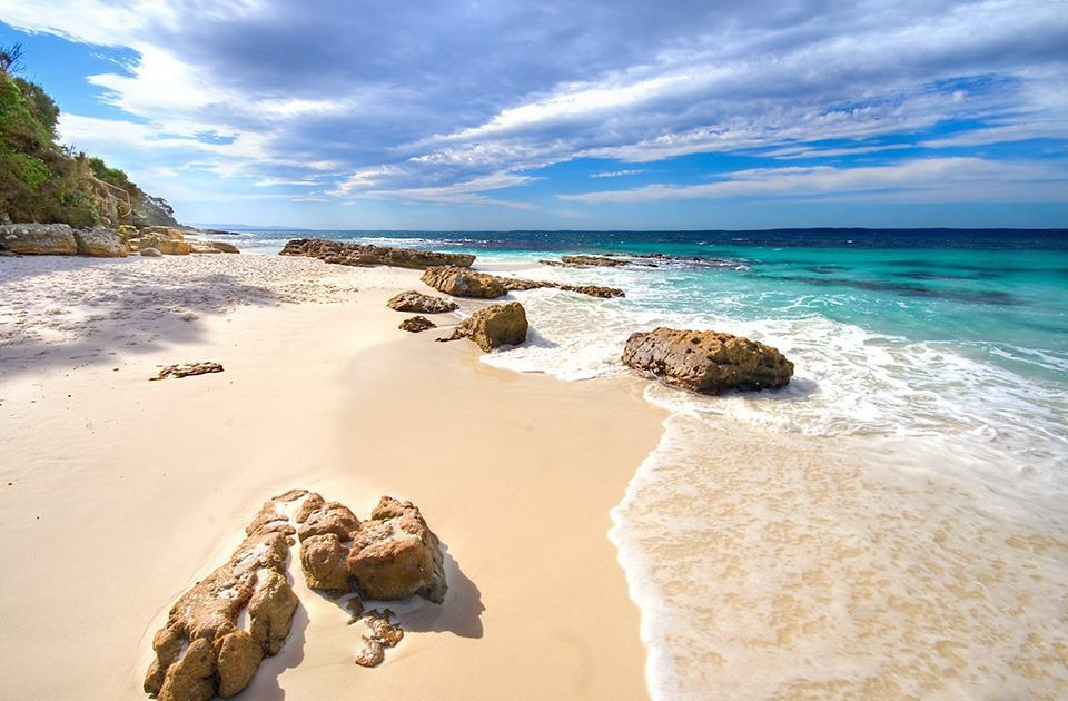 rocks on hyams beach