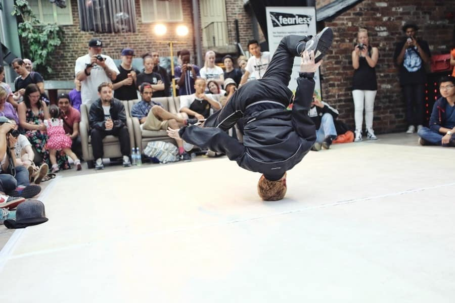 breakdancing-battle-life-males-159273