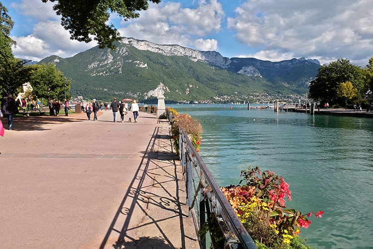 Lac d Annecy or Lake Annecy