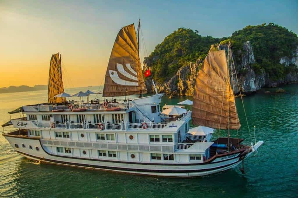 The Absolute Best Halong Bay Cruise | Top 13 Recommendations