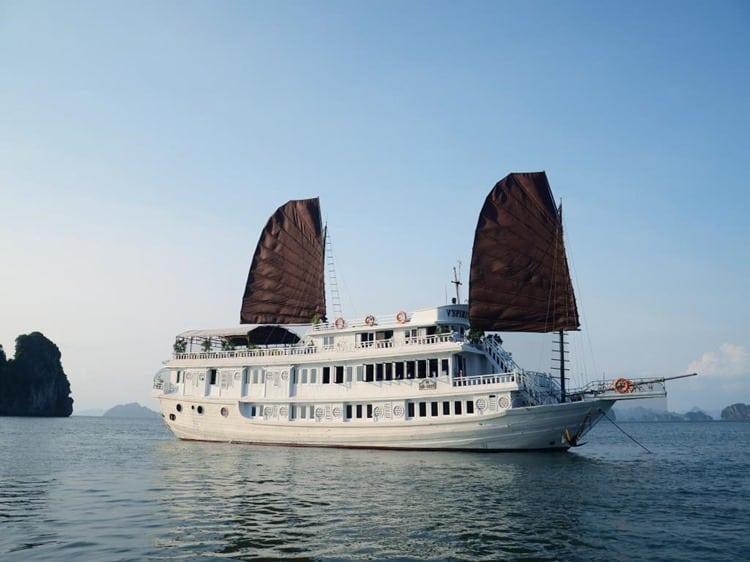 V Spirit Cruise Halong Bay