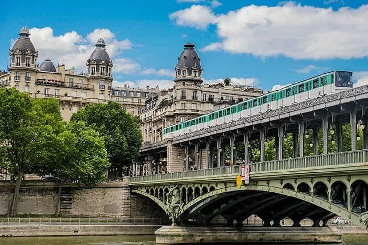 Pont de Bir Hakeim in Paris, France, bridge for Metro