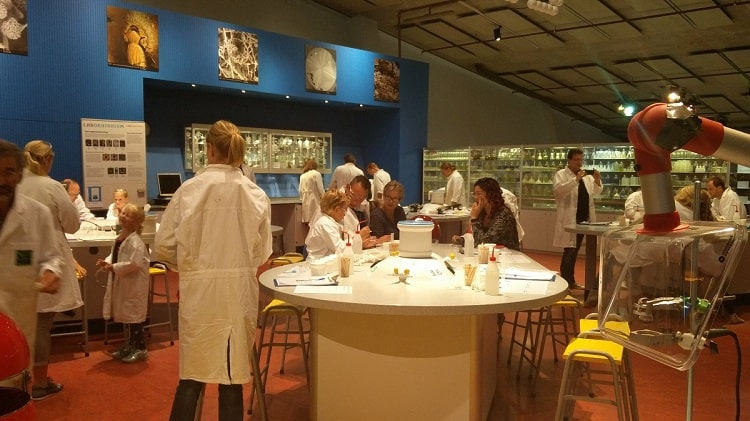 Nemo Science Center - Laboratory