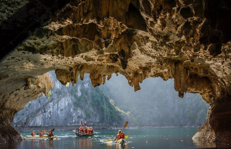 bat-cave-halong