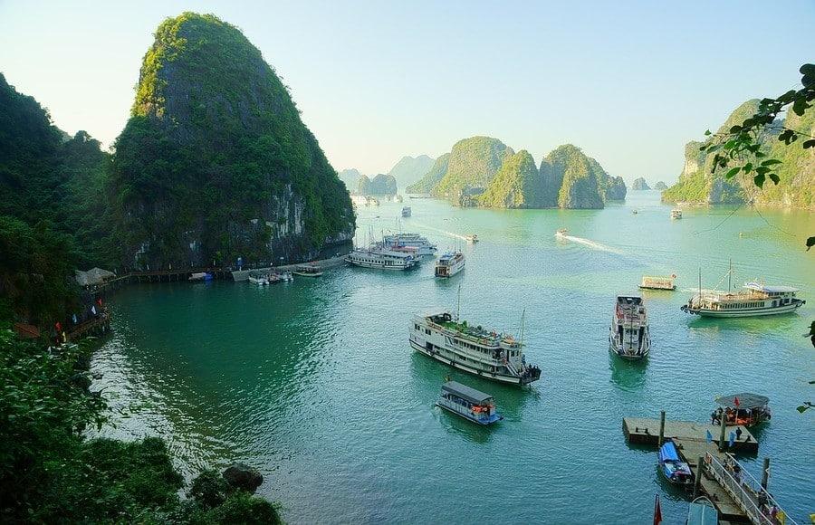 Halong Bay Cruise Boats