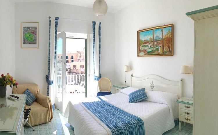 Best Positano Hotel Options - Villa Delle Palme - Room