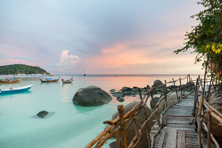 Find a way of how to get to Koh Lipe