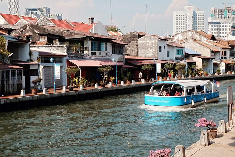 Melaka Sightseeing via Boat Cruise