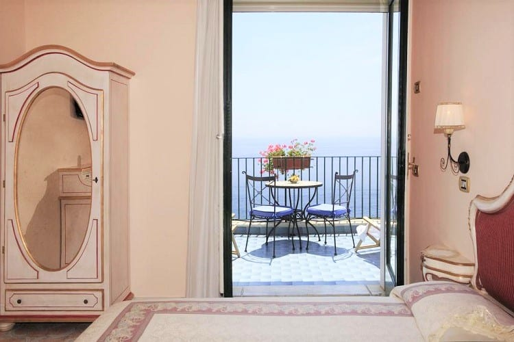 Top Amalfi Town Hotels - Hotel Il Nido - Room