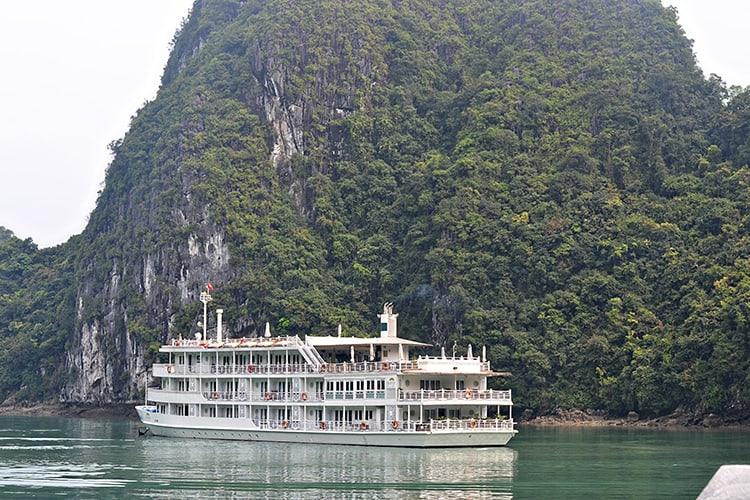 Au Co Cruises