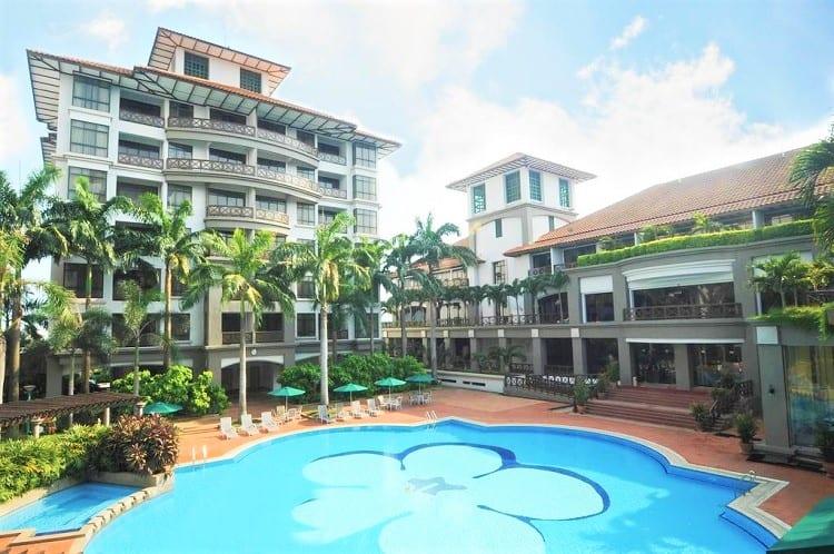 Mahkota Hotel - Top Melaka Hotel Options - Pool