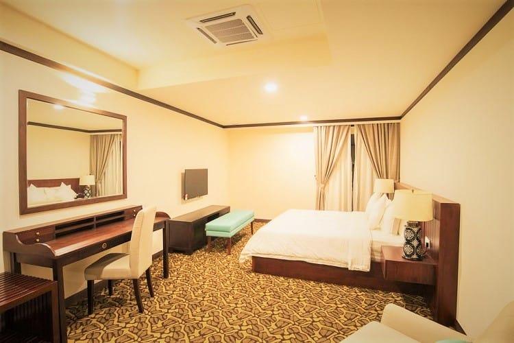Riviera Suites - Best Budget hotel in Melaka - room
