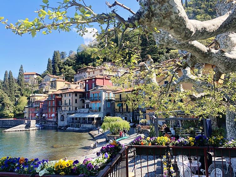 towns around lake como - Varenna