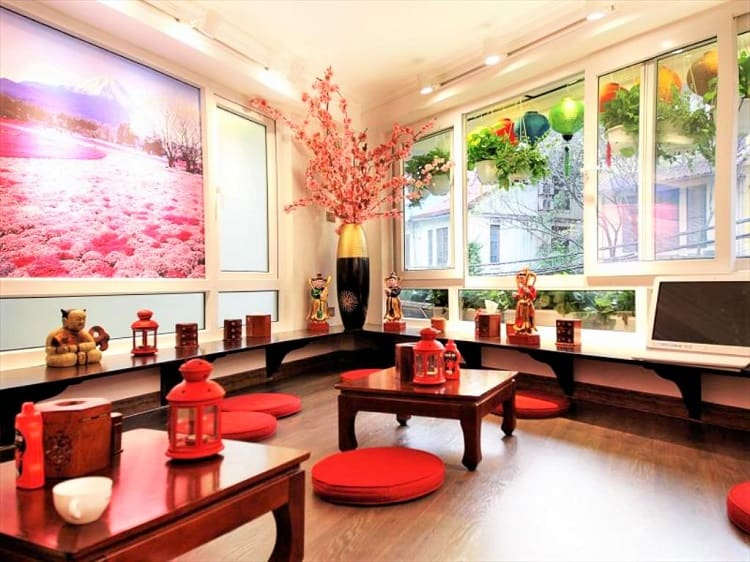 Hanoi Tomodachi House - Best place to stay in Hanoi - Common Area