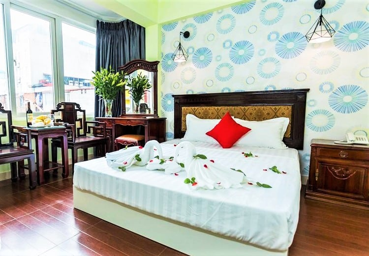 The Queen Hotel and Spa 2 - Best Budget Hotels in Hanoi - Room