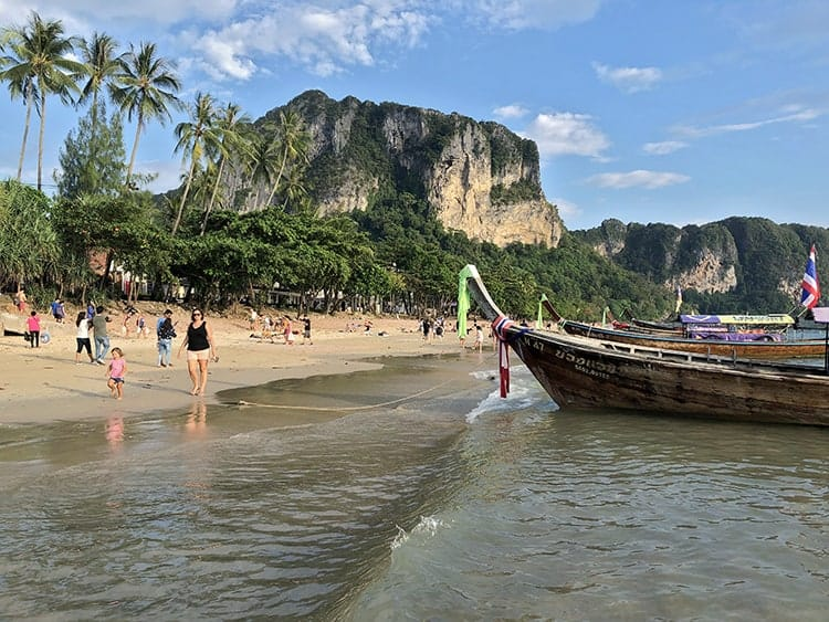 Ways of getting from Bangkok to Krabi