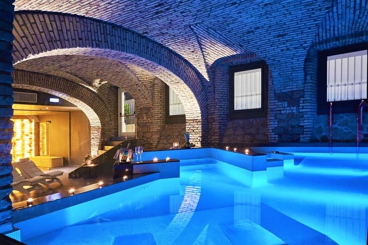 Best Hotel in Rome for Families - Hotel the Building - Pool