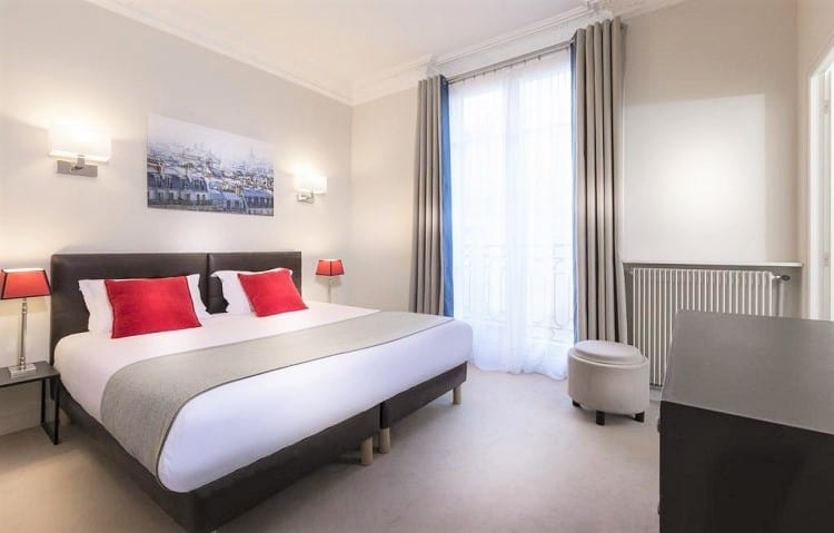 Best Hotels in Paris for Family - Résidence Charles Floquet - Room