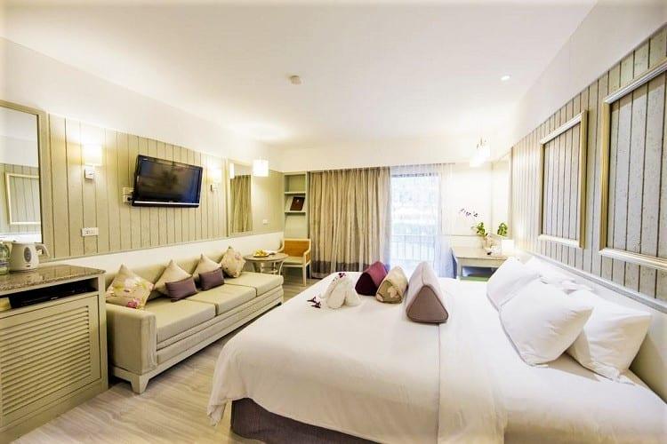 Best Phuket Accommodation on the Beach - Katathani Phuket Beach Resort - Room