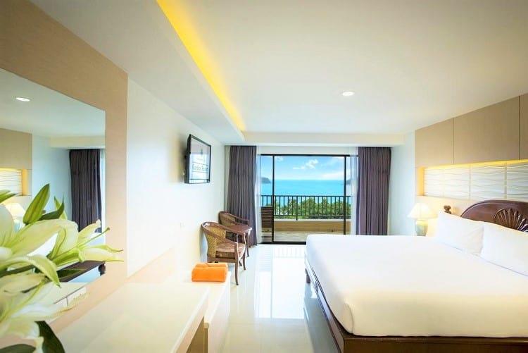 Best Phuket Beach Hotels - Chanalai Garden Resort - Room