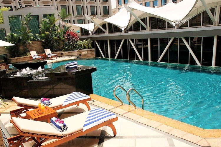 Singapore Family Accommodation - Peninsula Excelsior Hotel - Pool