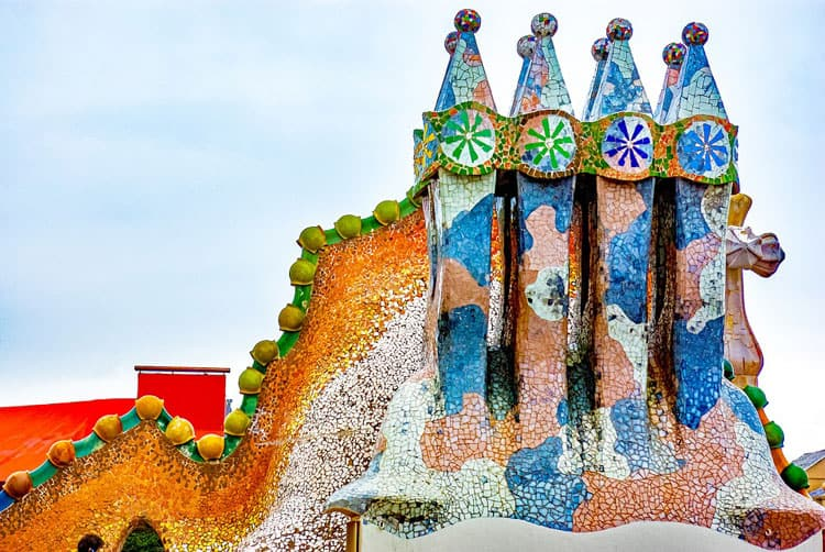 destinations-for-holidays-with-teenagers-gaudi-building-spain