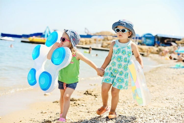 Best Water Shoes for Toddlers and Infants - Best Shoes the Beach for Toddlers