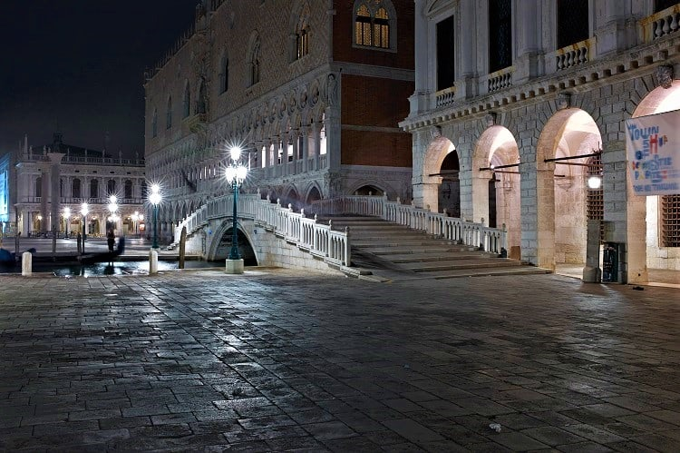 The most romantic things to do in Venice in 2 days - Go on a Venice Ghost Tour