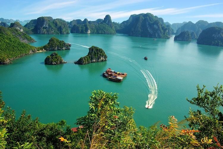 One Week in Vietnam - check out the Halong Bay Vietnam