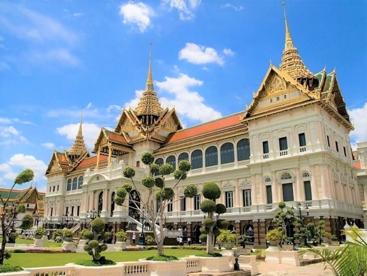 Visit Bangkok Grand Palace with kids
